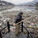 塞爾維亞開始清理充滿垃圾的湖泊