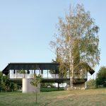 懸浮的家園:一棟塞爾維亞山房在地上數米之遙